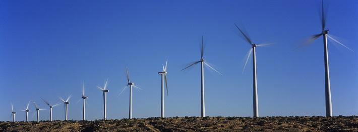 Regeringen öppnar för att ta bort kommunalt vindkraftsveto