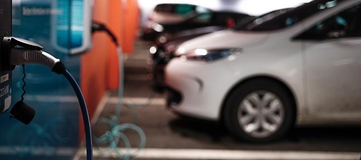 Ny rapport: Incitament krävs för smartare elbilsladdning